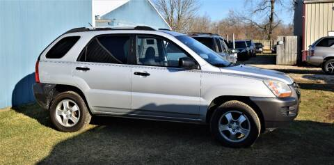 2006 Kia Sportage for sale at PINNACLE ROAD AUTOMOTIVE LLC in Moraine OH