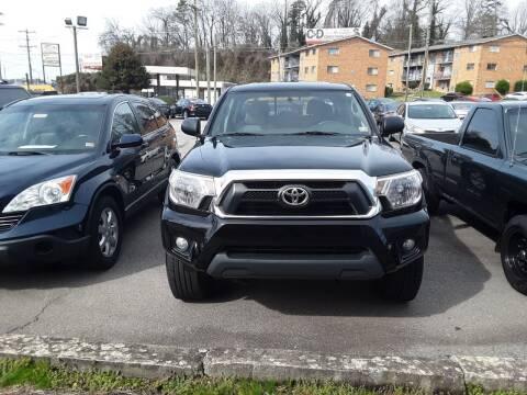 2015 Toyota Tacoma for sale at Auto Villa in Danville VA