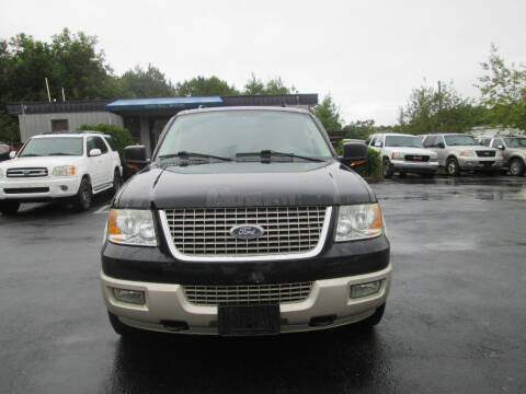2005 Ford Expedition for sale at Olde Mill Motors in Angier NC