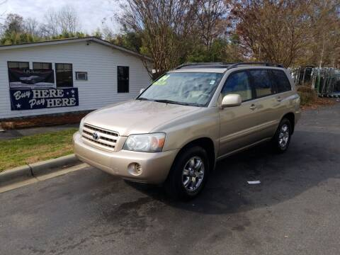2004 Toyota Highlander for sale at TR MOTORS in Gastonia NC