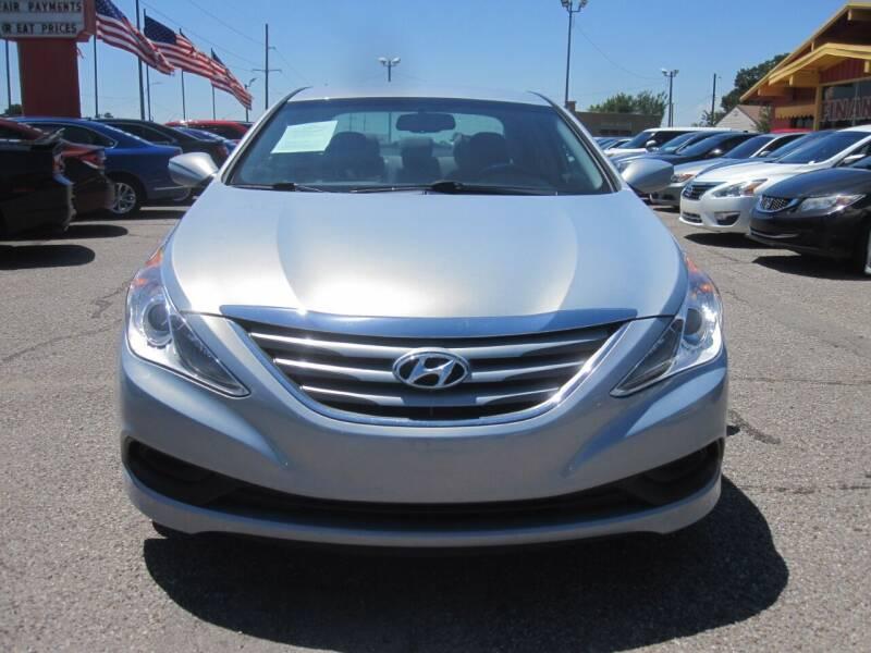2014 Hyundai Sonata for sale at T & D Motor Company in Bethany OK