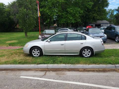 2003 Nissan Altima for sale at D & D Auto Sales in Topeka KS