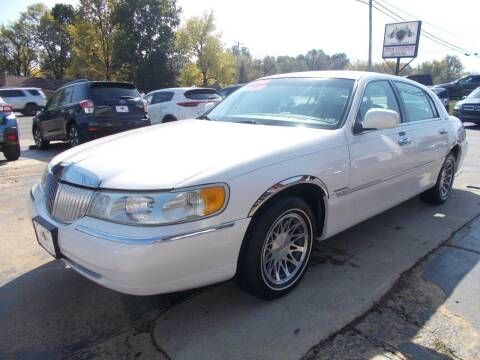 2000 Lincoln Town Car for sale at High Country Motors in Mountain Home AR