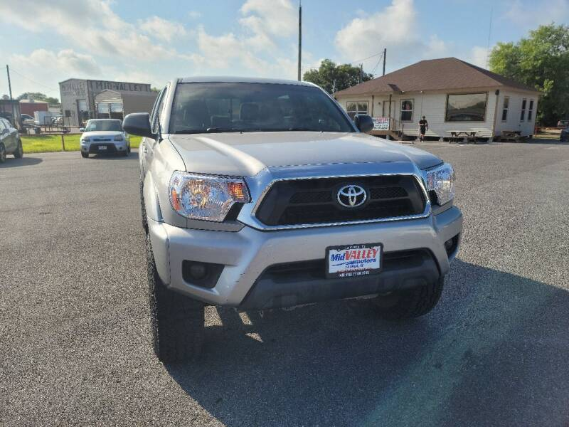 2015 Toyota Tacoma for sale at Mid Valley Motors in La Feria TX