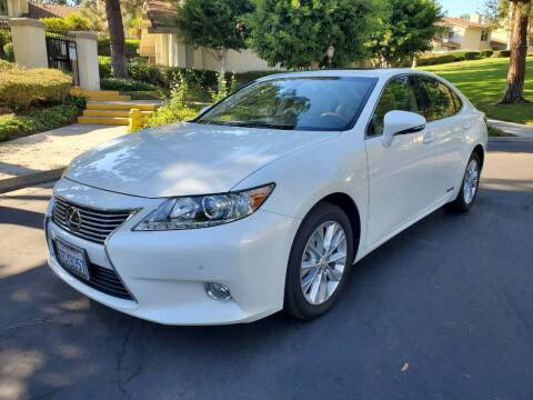 2013 Lexus ES 300h for sale at E MOTORCARS in Fullerton CA