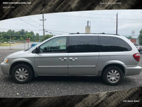 2006 Chrysler Town and Country for sale at C&C Motor Sales LLC in Hudson NC