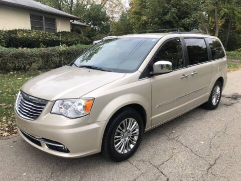 2013 Chrysler Town and Country for sale at Urban Motors llc. in Columbus OH