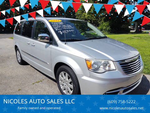 2011 Chrysler Town and Country for sale at NICOLES AUTO SALES LLC in Cream Ridge NJ