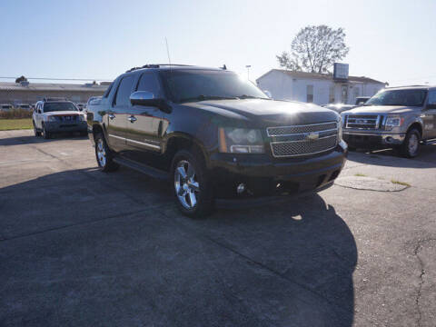 2011 Chevrolet Avalanche for sale at BLUE RIBBON MOTORS in Baton Rouge LA
