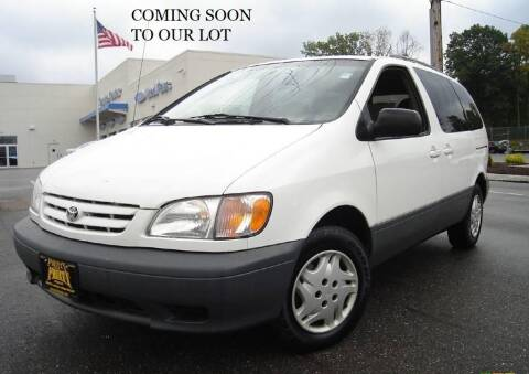 2002 Toyota Sienna for sale at FASTRAX AUTO GROUP in Lawrenceburg KY