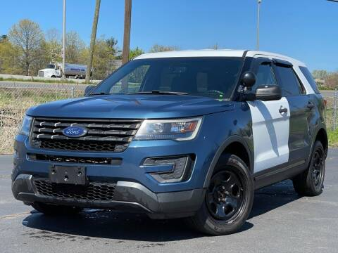 2016 Ford Explorer for sale at MAGIC AUTO SALES in Little Ferry NJ
