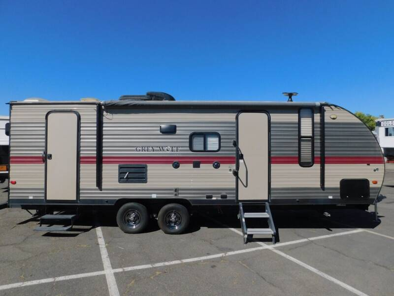 2018 Forest River CHEROKEE GREY WOLF for sale at Gold Country RV in Auburn CA