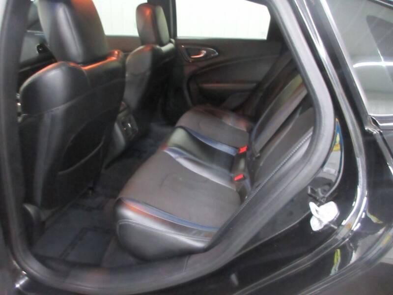 2015 Chrysler 200 AWD S 4dr Sedan - Ardmore TN