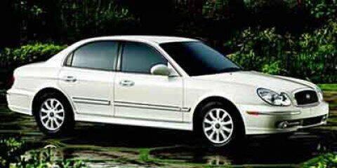 2002 Hyundai Sonata for sale at RDM CAR BUYING EXPERIENCE in Gurnee IL