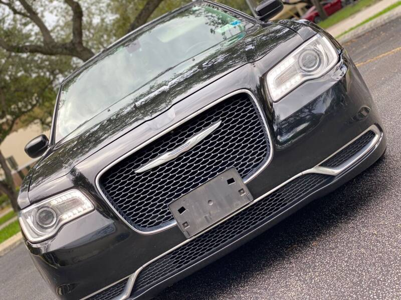 2019 Chrysler 300 for sale at HIGH PERFORMANCE MOTORS in Hollywood FL