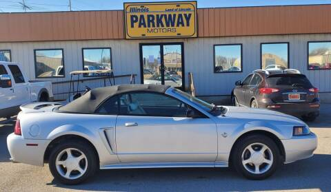 1999 Ford Mustang for sale at Parkway Motors in Springfield IL