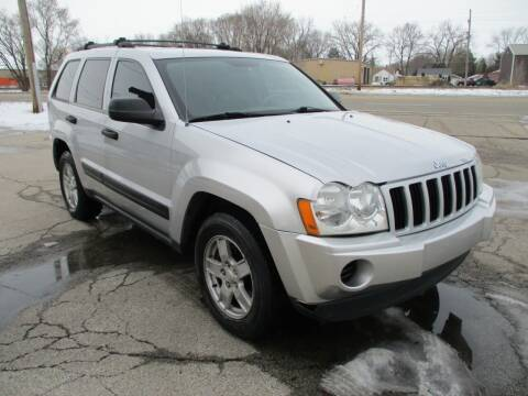 2005 Jeep Grand Cherokee for sale at RJ Motors in Plano IL