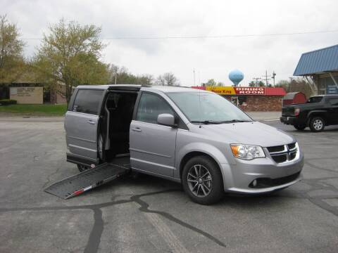 2017 Dodge Grand Caravan for sale at McCrocklin Mobility in Middletown IN
