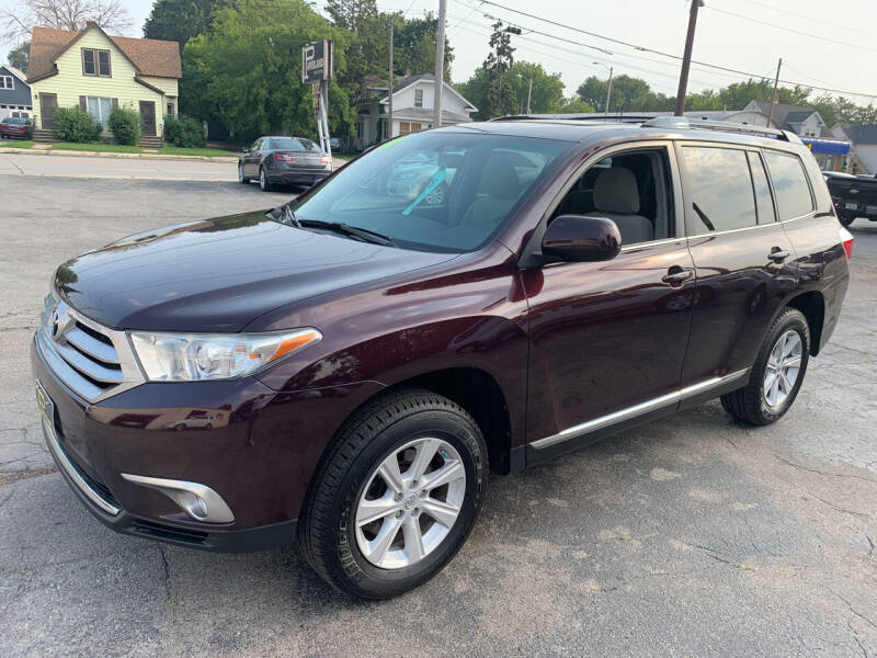 2011 Toyota Highlander for sale at PAPERLAND MOTORS - Fresh Inventory in Green Bay WI