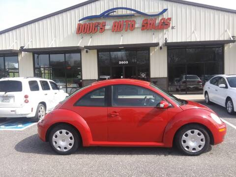 2010 Volkswagen New Beetle for sale at DOUG'S AUTO SALES INC in Pleasant View TN