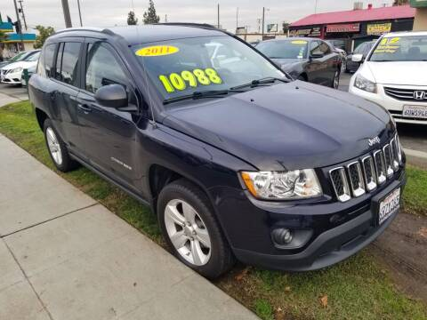 2011 Jeep Compass for sale at Showcase Luxury Cars II in Pinedale CA