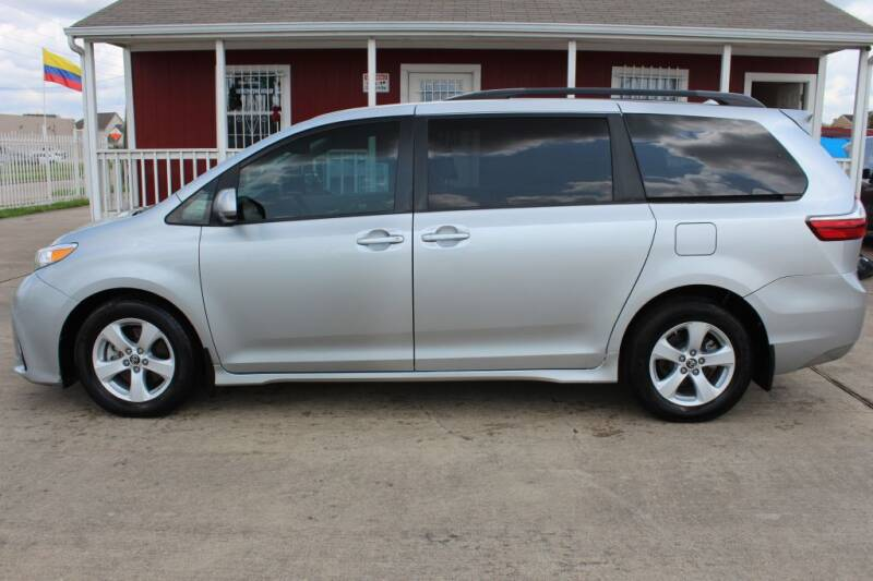 2019 Toyota Sienna for sale at AMT AUTO SALES LLC in Houston TX