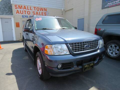 2005 Ford Explorer for sale at Small Town Auto Sales in Hazleton PA