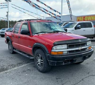 2002 Chevrolet S-10 for sale at BSA Pre-Owned Autos LLC in Hinton WV