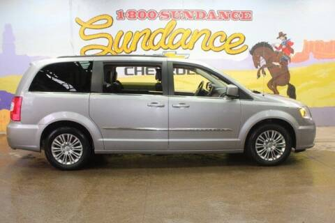 2016 Chrysler Town and Country for sale at Sundance Chevrolet in Grand Ledge MI