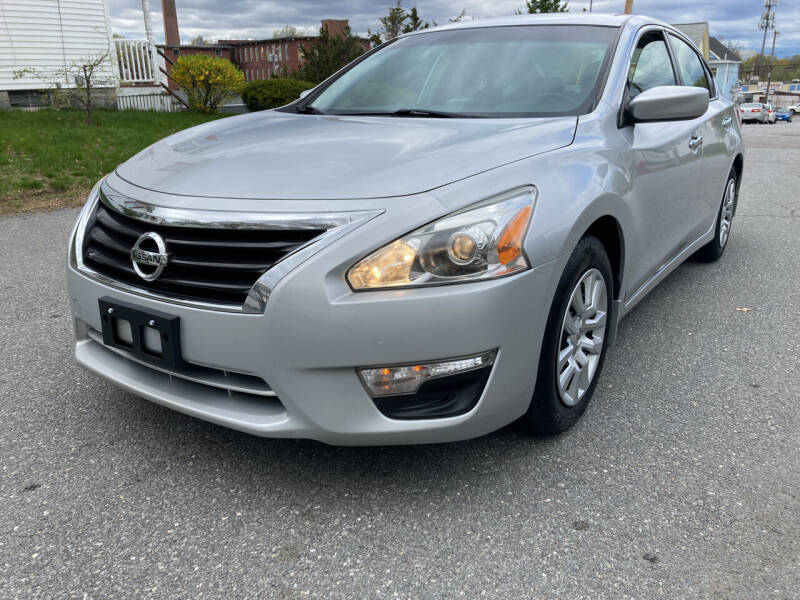 2013 Nissan Altima for sale at D'Ambroise Auto Sales in Lowell MA