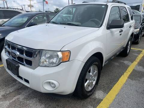 2010 Ford Escape for sale at The Kar Store in Arlington TX