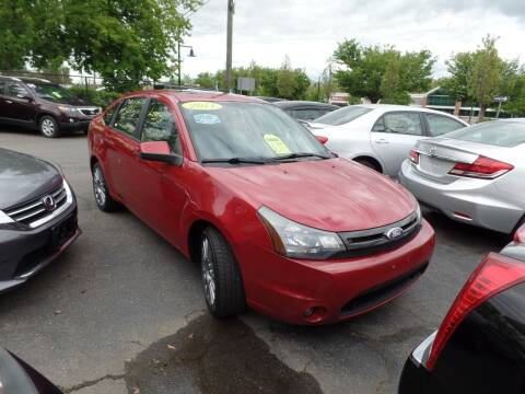 2011 Ford Focus for sale at CAR CORNER RETAIL SALES in Manchester CT