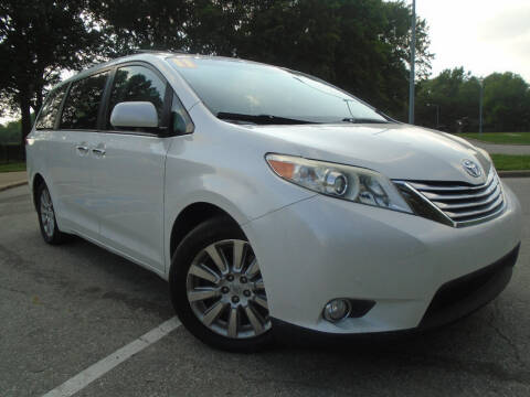 2011 Toyota Sienna for sale at Sunshine Auto Sales in Kansas City MO