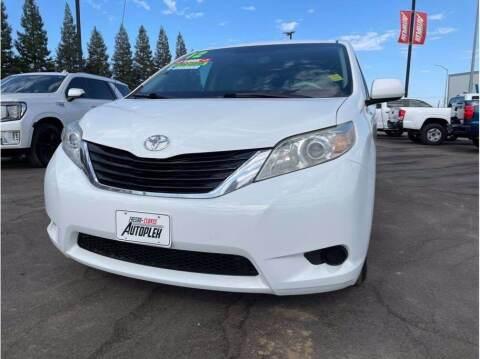 2012 Toyota Sienna for sale at Carros Usados Fresno in Clovis CA