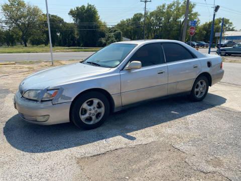 1999 Lexus ES 300 for sale at Dave-O Motor Co. in Haltom City TX