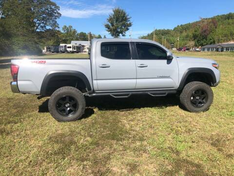 2018 Toyota Tacoma for sale at Village Wholesale in Hot Springs Village AR