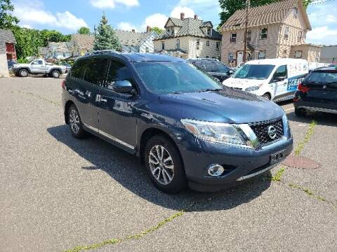 2013 Nissan Pathfinder for sale at BETTER BUYS AUTO INC in East Windsor CT