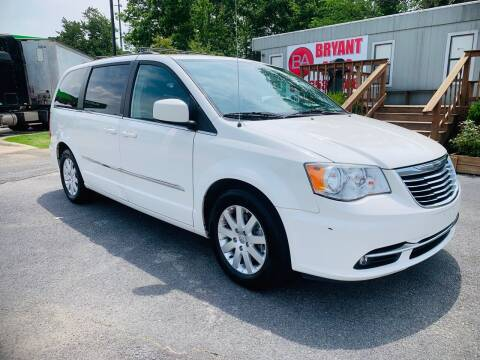 2013 Chrysler Town and Country for sale at BRYANT AUTO SALES in Bryant AR