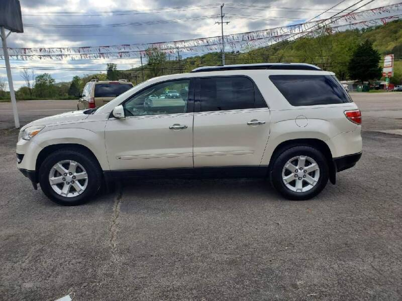 2009 Saturn Outlook for sale at Knoxville Wholesale in Knoxville TN