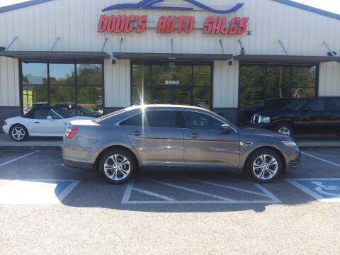 2013 Ford Taurus for sale at DOUG'S AUTO SALES INC in Pleasant View TN