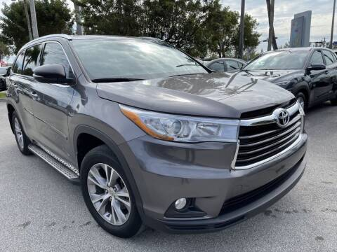 2015 Toyota Highlander for sale at DORAL HYUNDAI in Doral FL