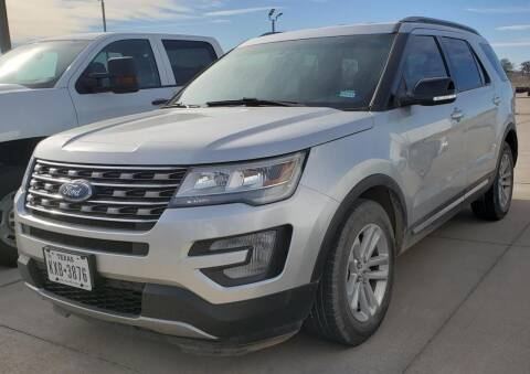 2017 Ford Explorer for sale at Lipscomb Auto Center in Bowie TX