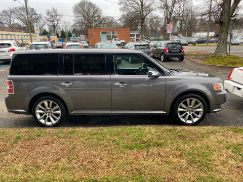 2010 Ford Flex for sale at Carz Unlimited in Richmond VA
