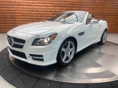 2015 Mercedes-Benz SLK for sale at Dixie Imports in Fairfield OH