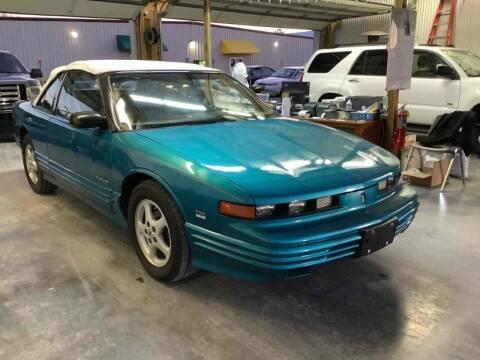 1993 Oldsmobile Cutlass Supreme for sale at ABINGDON AUTOMART LLC in Abingdon VA