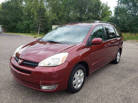 2004 Toyota Sienna for sale at Fleet Automotive LLC in Maplewood MN