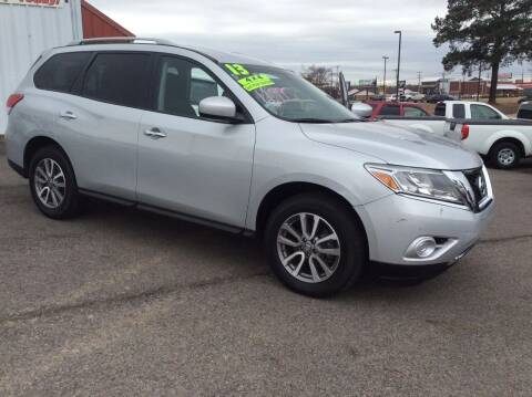 2013 Nissan Pathfinder for sale at Road Runner Autoplex in Russellville AR