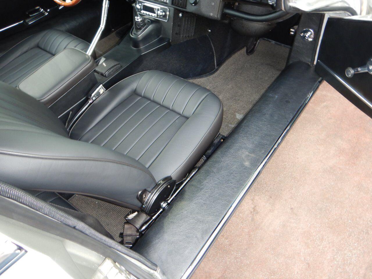 1973 Jaguar XKE 76