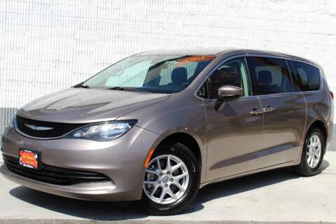 2018 Chrysler Pacifica for sale at ALIC MOTORS in Boise ID