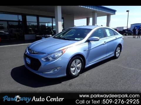 2013 Hyundai Sonata Hybrid for sale at PARKWAY AUTO CENTER AND RV in Deer Park WA